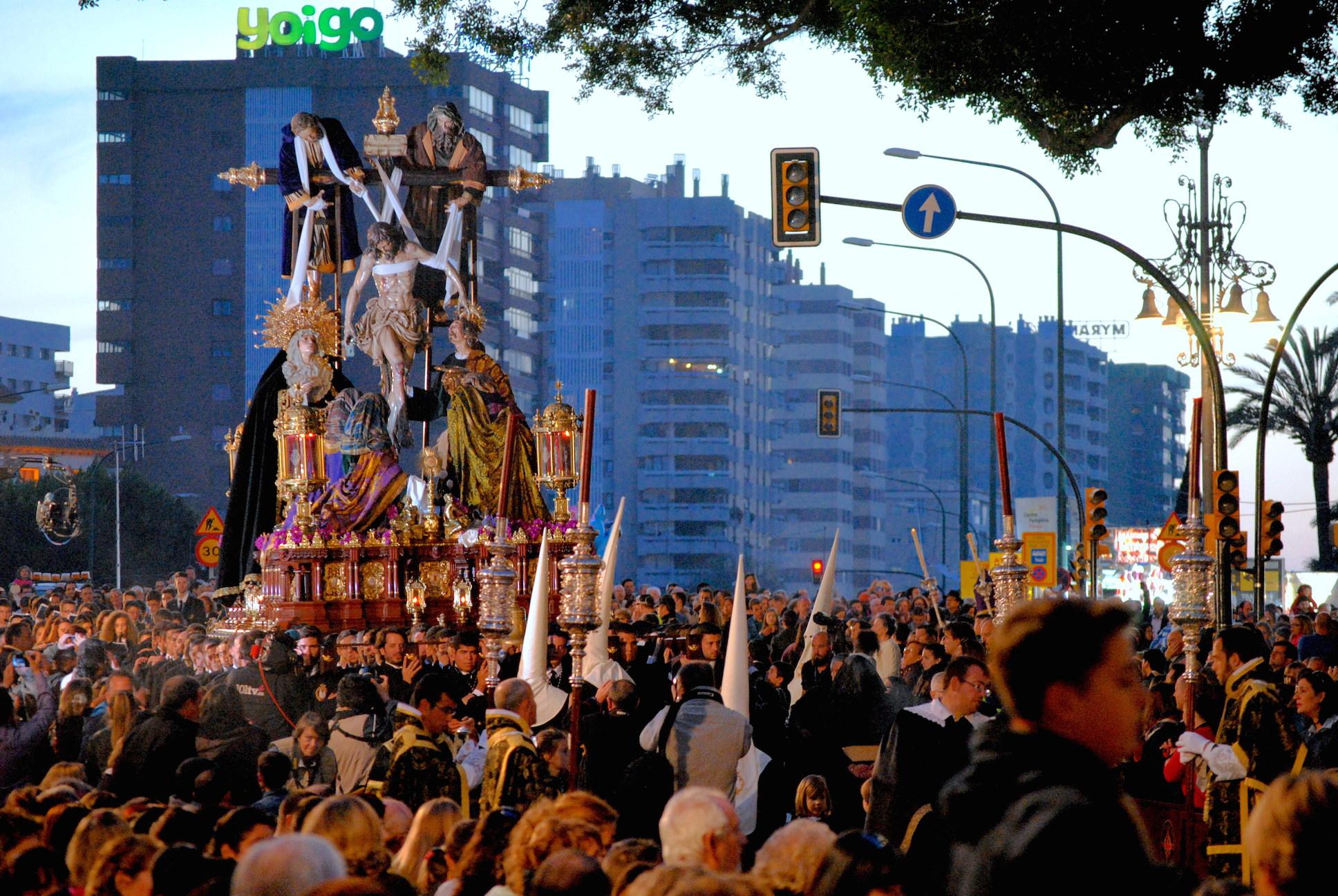 mejores fiestas en Málaga procesión