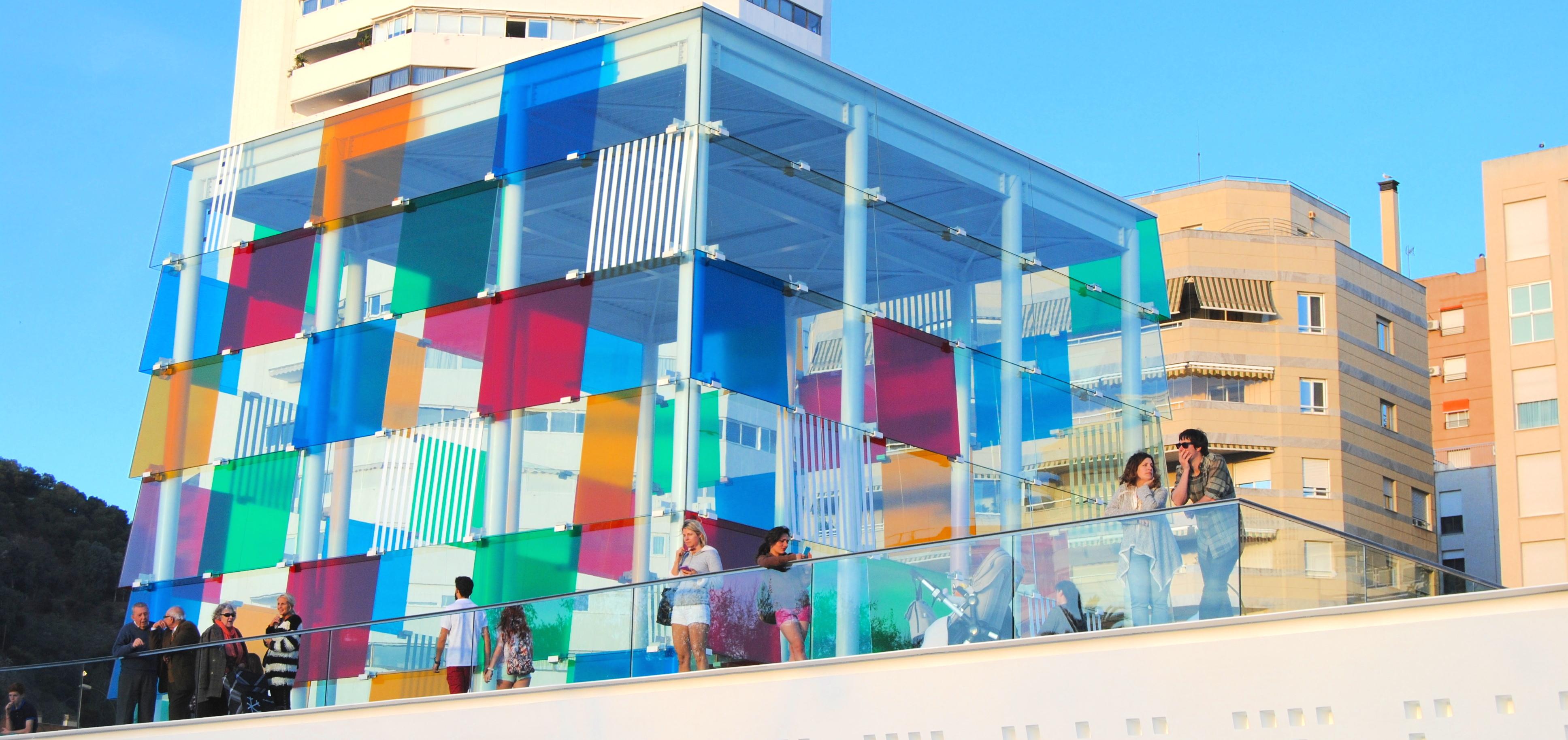 cubo colores centro pompidou malaga puerto muelle uno