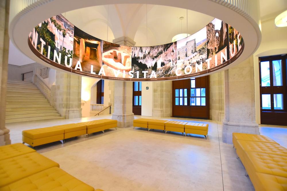 hall museo de malaga fine arts